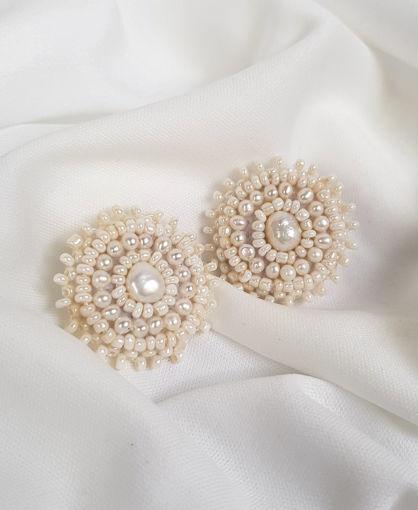 Imagen de Arete bordado a mano con perlitas cultivadas