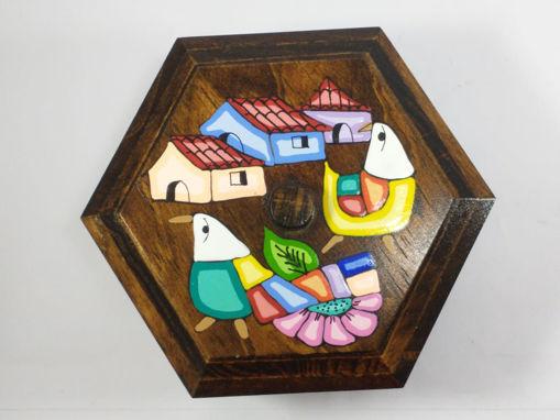 Imagen de Caja de madera hexagonal