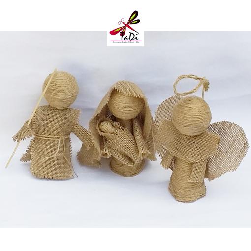Imagen de Nacimiento Artesanal de Tres piezas